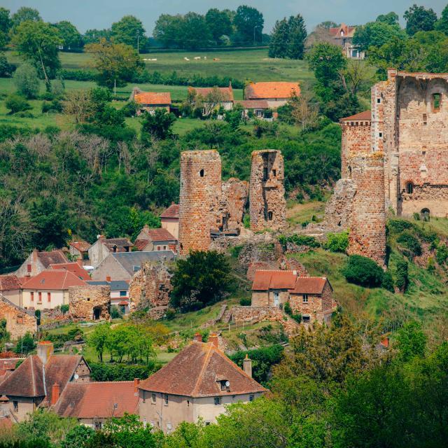 village-medieval-herisson-05