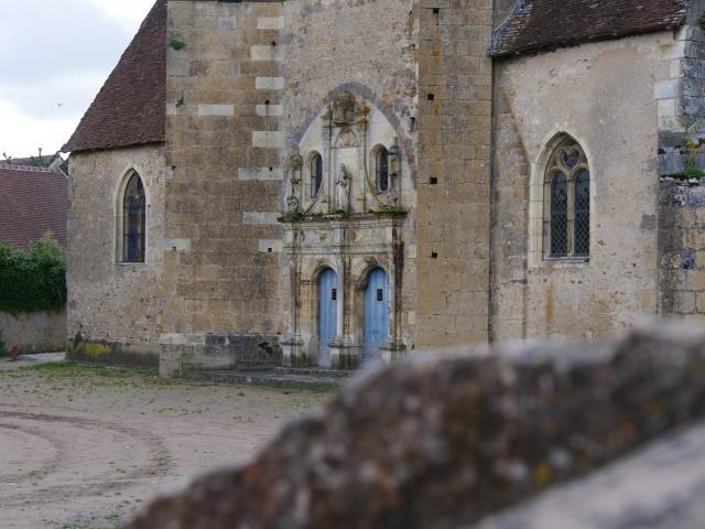 ainay-le-chateau-09