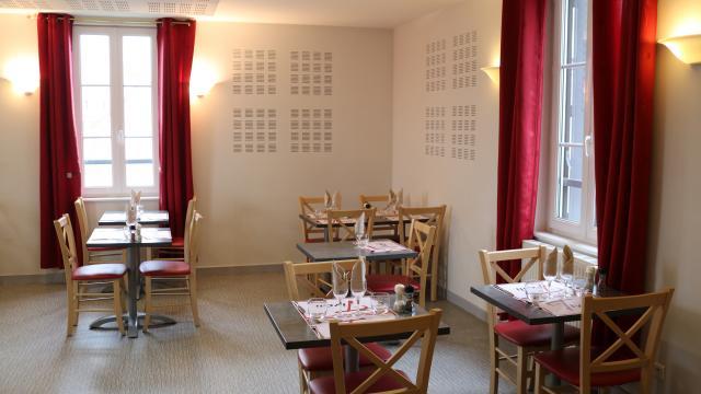 Restaurant Le Tivoli Salle Du Haut 01